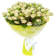 Small-flowered roses in a bouquet - flowers and bouquets on roza.zp.ua