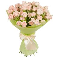 Lovely bouquet of bush roses - flowers and bouquets on roza.zp.ua