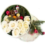 A small Christmas box of flowers - flowers and bouquets on roza.zp.ua