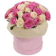 Delicate box of roses - flowers and bouquets on roza.zp.ua