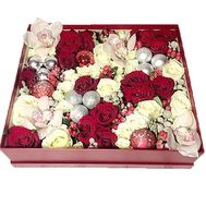 Christmas composition in a rectangular box - flowers and bouquets on roza.zp.ua