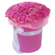 A chic bouquet of pink roses in a box - flowers and bouquets on roza.zp.ua