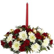 New Year composition with a candle - flowers and bouquets on roza.zp.ua