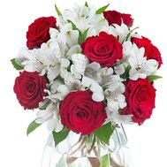 Bouquet in red and white tones - flowers and bouquets on roza.zp.ua