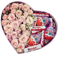 Box of spray roses with sweets - flowers and bouquets on roza.zp.ua