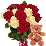 Teddy bear with bouquet of roses - flowers and bouquets on roza.zp.ua