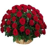 Basket of flowers from 51 red roses - flowers and bouquets on roza.zp.ua