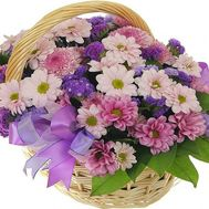 Basket of flowers from 13 chrysanthemums - flowers and bouquets on roza.zp.ua
