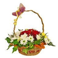 Basket of flowers from 7 roses and 8 chrysanthemums - flowers and bouquets on roza.zp.ua