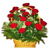 Basket of flowers from 21 red roses - flowers and bouquets on roza.zp.ua