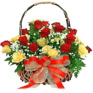 Basket of flowers from 25 roses - flowers and bouquets on roza.zp.ua