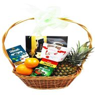Gift basket with pineapple - flowers and bouquets on roza.zp.ua