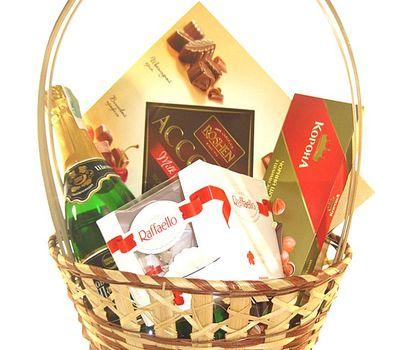 """""""Подарочная корзина для женщины"""" в интернет-магазине цветов roza.zp.ua"""