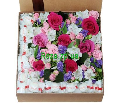 """""""Большая коробка с цветами и рафаэлло"""" в интернет-магазине цветов roza.zp.ua"""