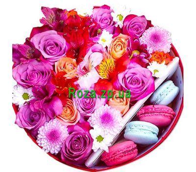 """""""Цветы в коробке с пирожными"""" в интернет-магазине цветов roza.zp.ua"""