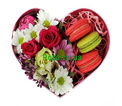 """""""Маленькое сердце с макарунами"""" в интернет-магазине цветов roza.zp.ua"""
