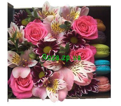 """""""Небольшая коробка с цветами и макарунами"""" в интернет-магазине цветов roza.zp.ua"""