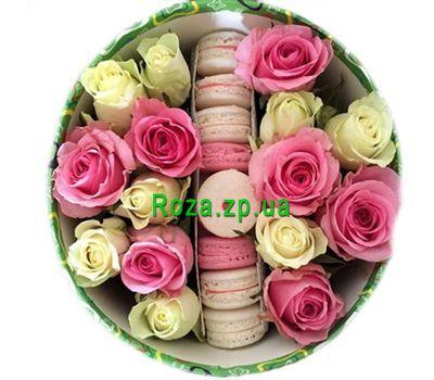 """""""Розы и макаруны в коробке"""" в интернет-магазине цветов roza.zp.ua"""
