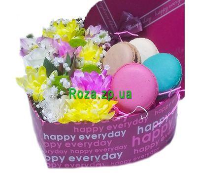"""""""Сердце с цветами и макарунами в коробке"""" в интернет-магазине цветов roza.zp.ua"""