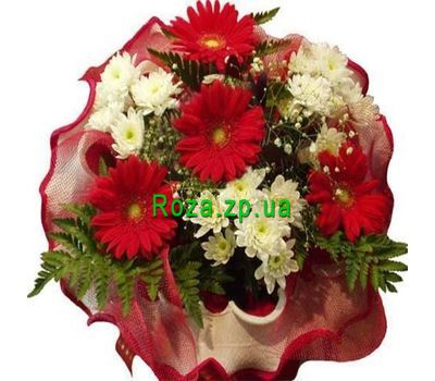 """Bouquet of flowers from gerberas and chrysanthemums"" in the online flower shop roza.zp.ua"