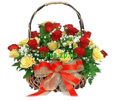"""Basket of flowers from 25 roses"" in the online flower shop roza.zp.ua"