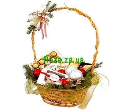 """""""New Year gift basket"""" in the online flower shop roza.zp.ua"""